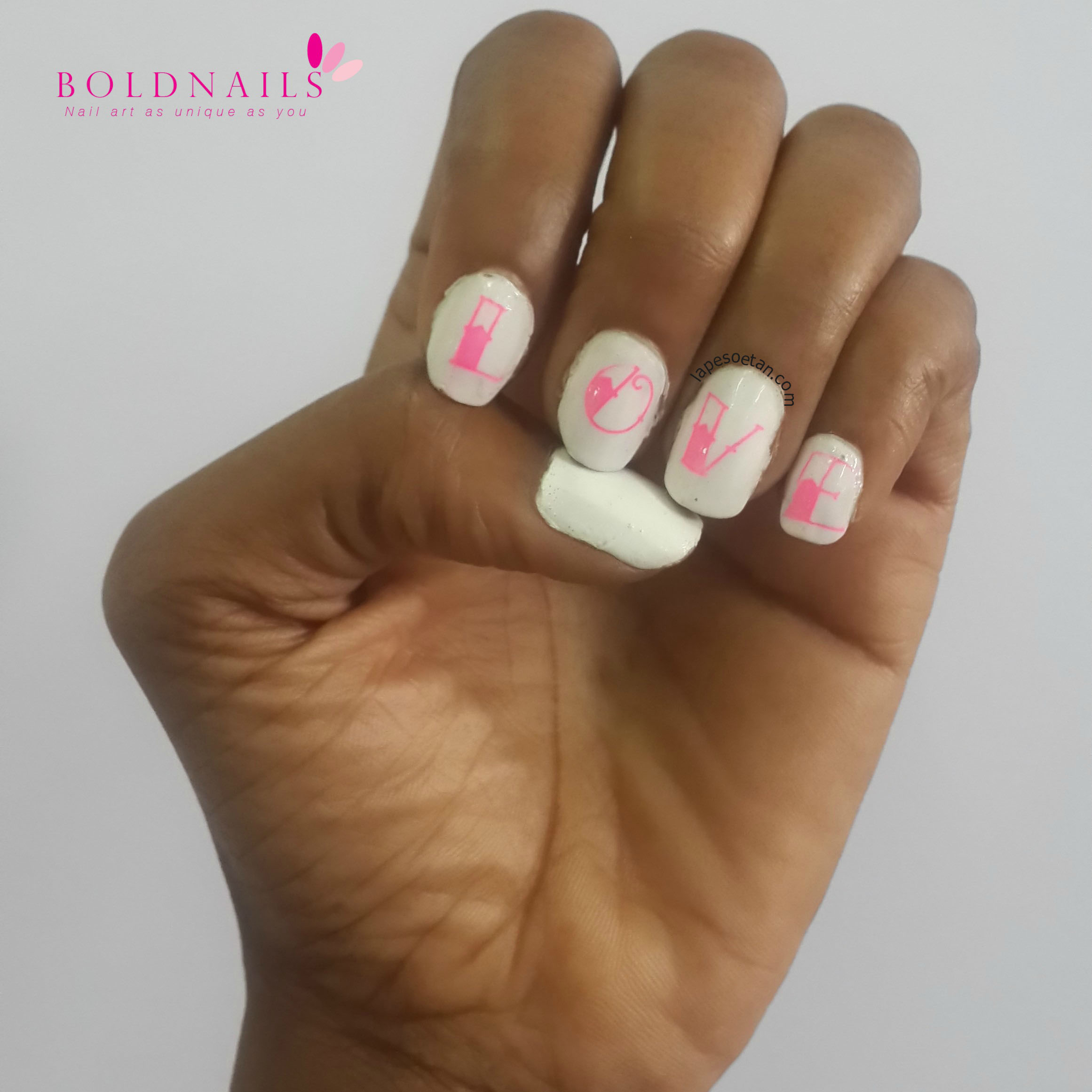 Nail Art: Love Nails - Lape Soetan